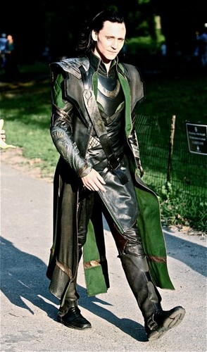 Loki (Thor 2011) hình nền possibly containing a breastplate, a rifleman, and a surcoat, áo lót titled Loki
