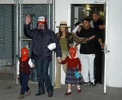 Michael With His Family And Older Sister, LaToya Back In 2003