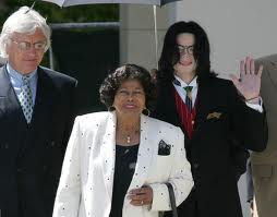 Michael With His Mother And Attorney, Tom Messereau Back In 2005