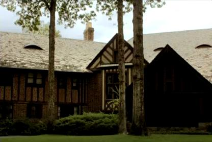 Mystic falls wallpaper containing a lychgate, a hip roof, and a bungalow titled Mystic Falls