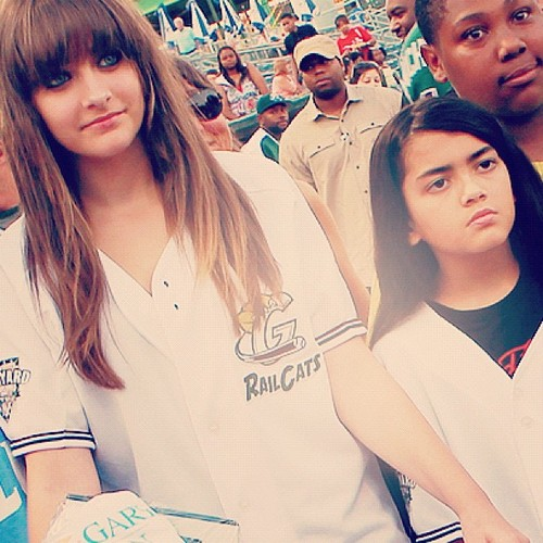 Paris Jackson achtergrond containing a portrait titled Paris Jackson and her brother Blanket Jackson ♥♥