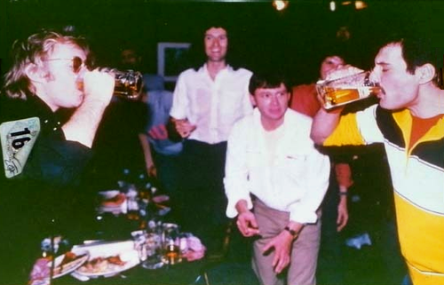 Queen - Drinking Competition