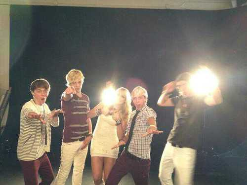 R5 at their photoshoot