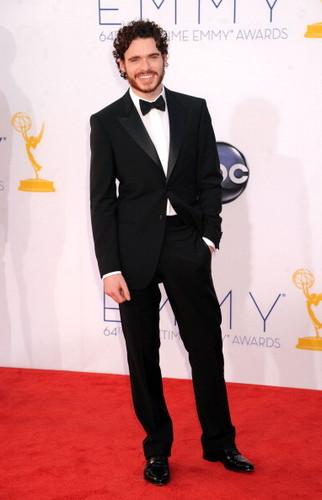 Game of Thrones wallpaper with a business suit, a suit, and a three piece suit called Richard Madden  @ 2012 Emmy Awards