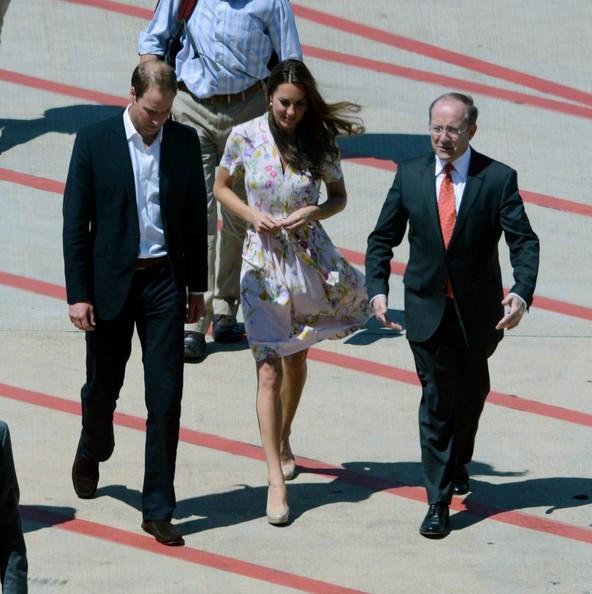 Royals Land In Brisbane Australia