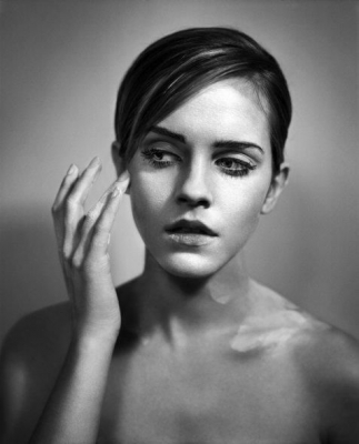 Emma Watson Hintergrund probably with skin and a portrait titled SET 002 - GLAMOUR UK (BY VINCENT PETERS)