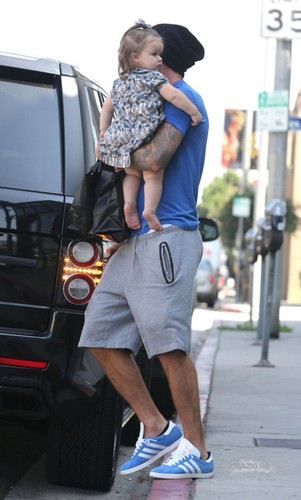 Sept. 25th - LA - David and Harper grabbing comida at a restaurant in West Hollywood