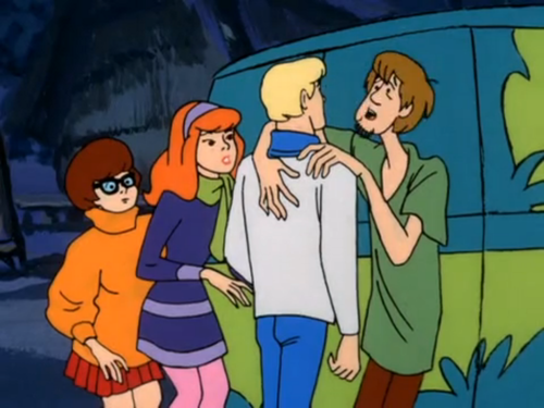 Scooby-Doo achtergrond containing anime titled Shaggy Clinging to Fred
