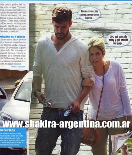 Shakira pregnant body