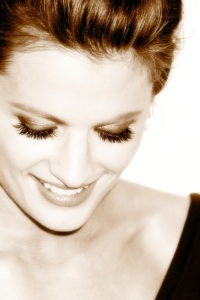 Stana Katic achtergrond with a portrait entitled Stana