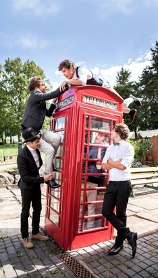 Take Me home pagina Photoshoot