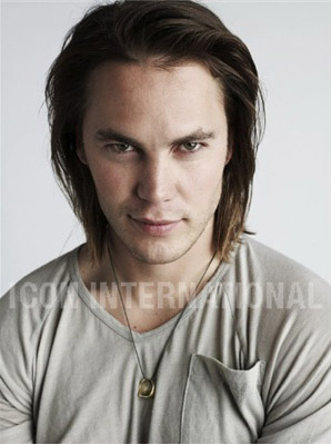 Taylor Kitsch wallpaper probably with a portrait entitled Taylor Kitsch - Unknown Photoshoot (2008)