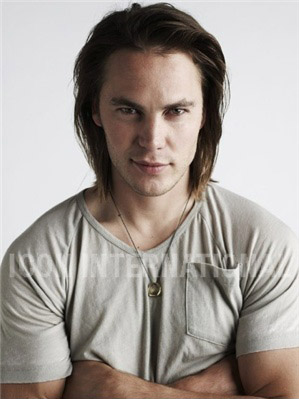 Taylor Kitsch Hintergrund probably containing a portrait entitled Taylor Kitsch - Unknown Photoshoot (2008)
