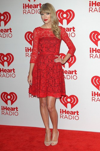 Taylor snel, swift at the 2012 iHeartRadio muziek Festival - dag 2 - Press Room