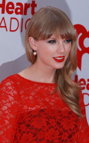 Taylor veloce, swift at the 2012 iHeartRadio Musica Festival - giorno 2 - Press Room