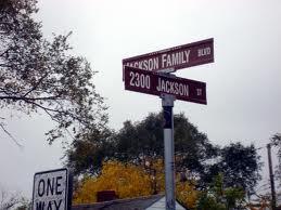The Jackson 거리 Address, 2300