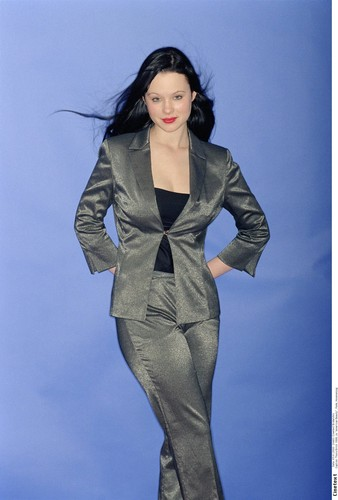 Thora Birch fond d'écran containing a well dressed person entitled Thora Birch
