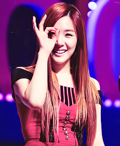 Tiffany Hwang wallpaper containing a portrait titled Tiffany