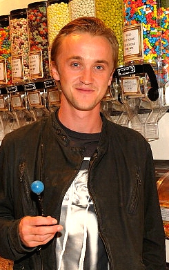 Tom ファン Art