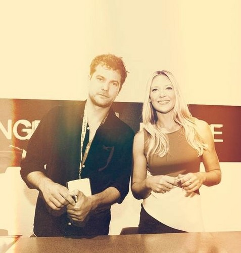 Anna Torv and Joshua Jackson দেওয়ালপত্র entitled Torvson সম্পাদনা ♥