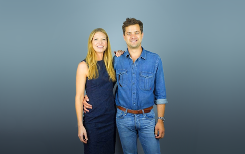 Anna Torv and Joshua Jackson দেওয়ালপত্র possibly containing long trousers, a pantleg, and a well dressed person called Torvson সম্পাদনা ♥