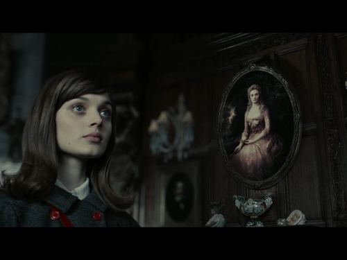 Tim Burton's Dark Shadows wallpaper called Vicky and Josette