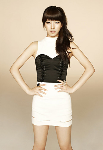 DARA 2NE1 Hintergrund probably with a bustier titled bae suzy miss A