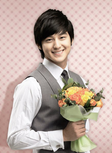 Ким Бом Обои containing a bridesmaid, a bouquet, and a business suit entitled kim bum <3 <3