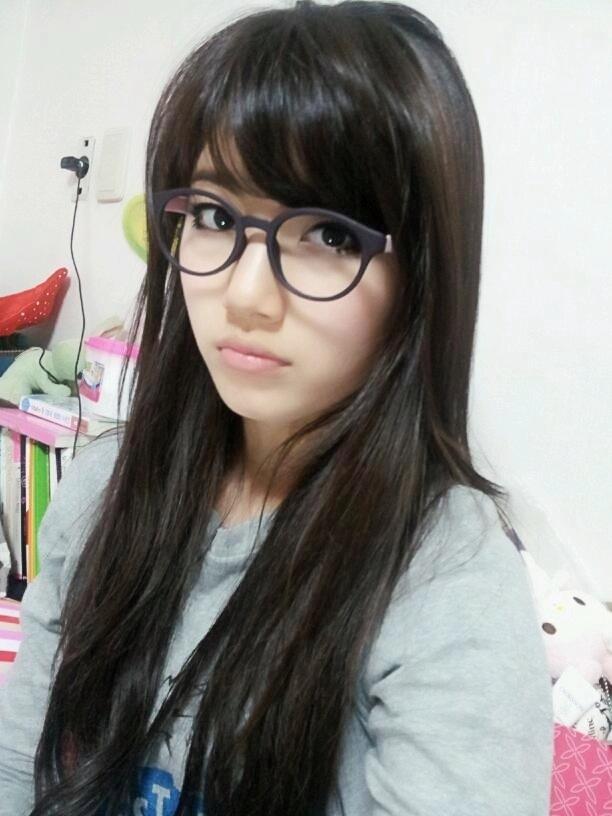 nerd-bae-suzy-dara-2ne1-32216159-612-816