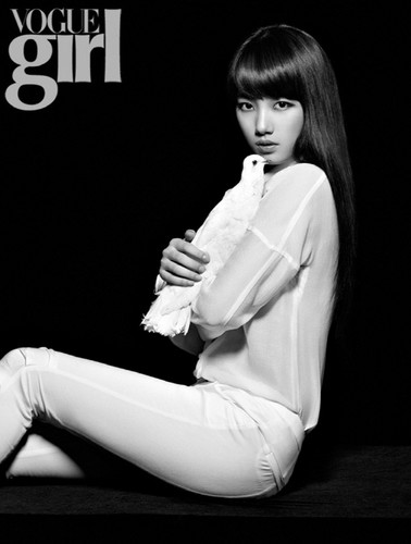 DARA 2NE1 wallpaper probably containing a well dressed person titled suzy vogue girl