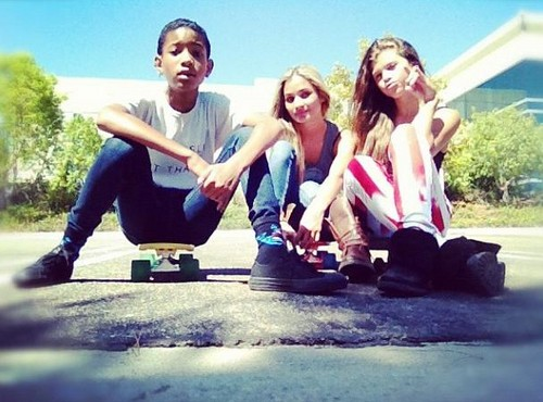 willow smith, pia mia and sofia richie :)