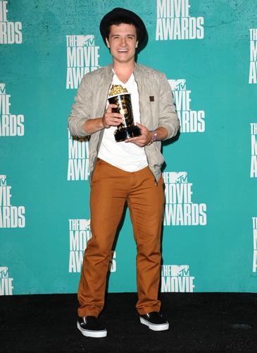 MTV Movie Awards - Press Room [HQ]