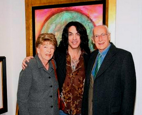 Paul Stanley wallpaper with a business suit, a suit, and a well dressed person entitled ★ Paul & his parents ☆