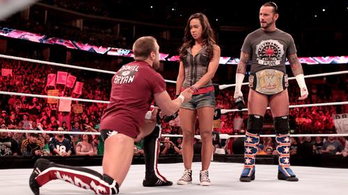 10 Sordid wwe cinta Triangles: AJ Lee,CM Punk,and Daniel Bryan
