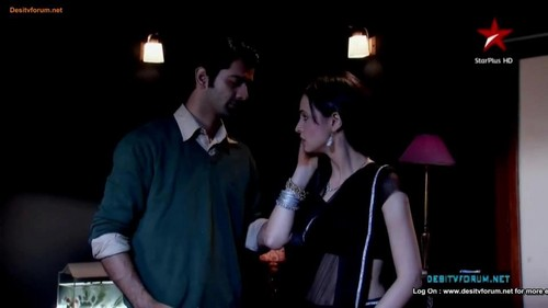 iss pyaar no kya naam doon fond d'écran probably with a business suit entitled Arushi- l'amour night
