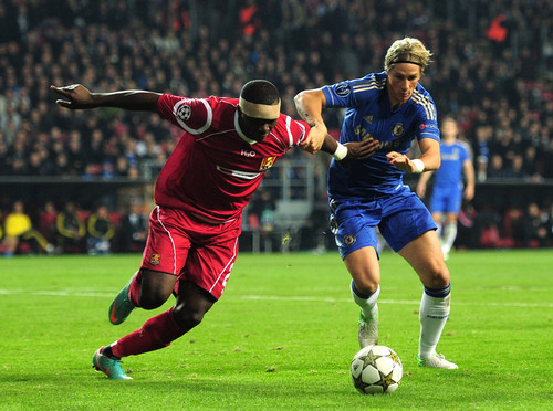 Fernando Torres achtergrond containing a soccer ball, a soccer player, and a vleugelverdediger, fullback called Chelsea - FC Nordsjaelland, 02.10.2012, Champions League