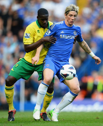 चेल्सी एफ सी वॉलपेपर possibly containing a पूर्ण सहयोग, पीछे का खिलाड़ी and a सॉकर player called Chelsea - Norwich, 06.10.2012, Premier League