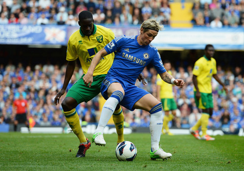 Chelsea FC wallpaper containing a soccer ball and a soccer player called Chelsea - Norwich, 06.10.2012, Premier League
