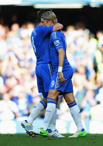 Fernando Torres achtergrond probably with a tight end and a lijnwerker, lineman entitled Chelsea - Norwich, 06.10.2012, Stamford Bridge, Premier League