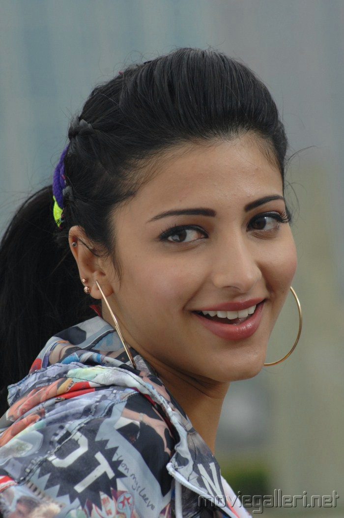 Shruti Hassan Images Cute Shruti Hd Wallpaper And Background Photos