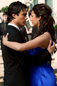 Damon & Elena karatasi la kupamba ukuta with a business suit called Damon & Elena Dance