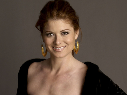 Debra Messing wallpaper probably containing a portrait entitled Debra Messing