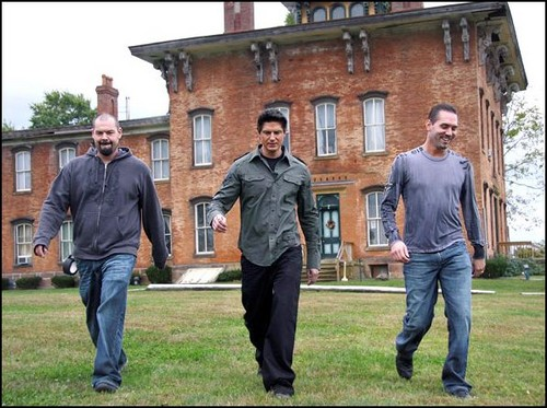 Ghost Adventures wallpaper containing a street, a brownstone, and a row house entitled GAC!