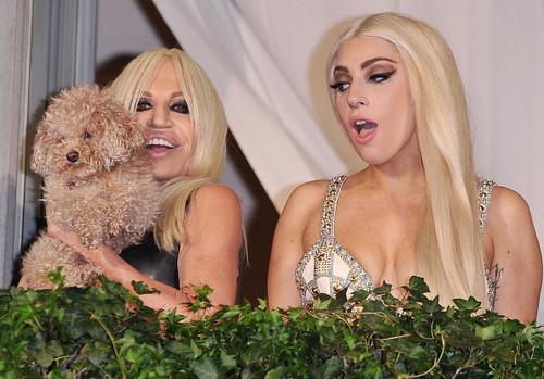 Gaga and Donatella on the balcony of Palazzo Versace
