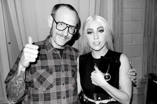 Gaga and Terry in Gianni's apartment