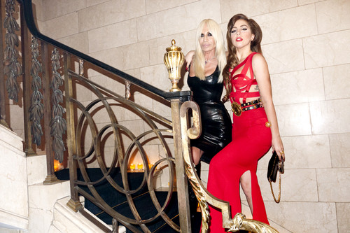 Gaga at Gianni Versace's Apartment por Terry Richardson
