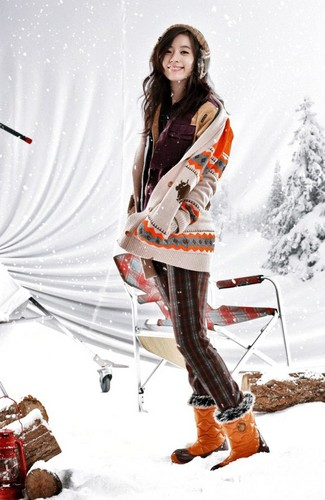 Han Hyo Joo wallpaper with a ski resort called Han Hyo Joo