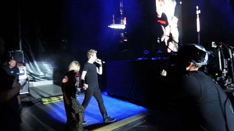 Happy Birthday Serenade With Chad Kroeger At Nickelback Concert