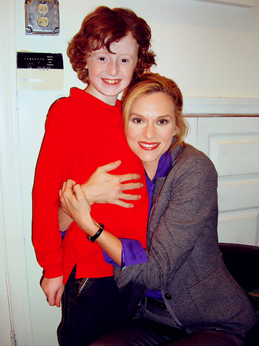 Hilarie burton On Set Of Naughty atau Nice