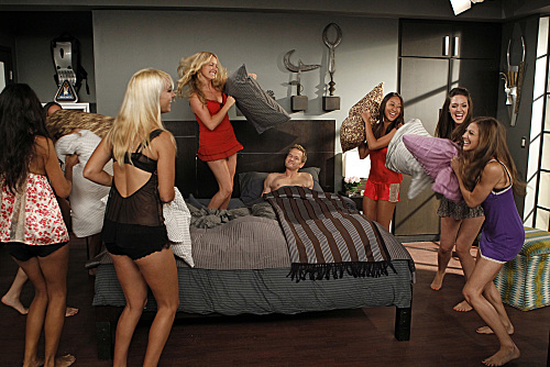 "How I Met Your Mother Season 8 Episode 2 ""The Pre-Nup"""